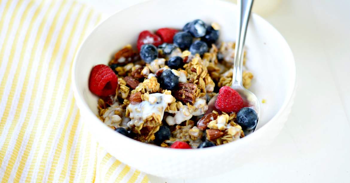 granola - Super toasted granola with chewy fruit