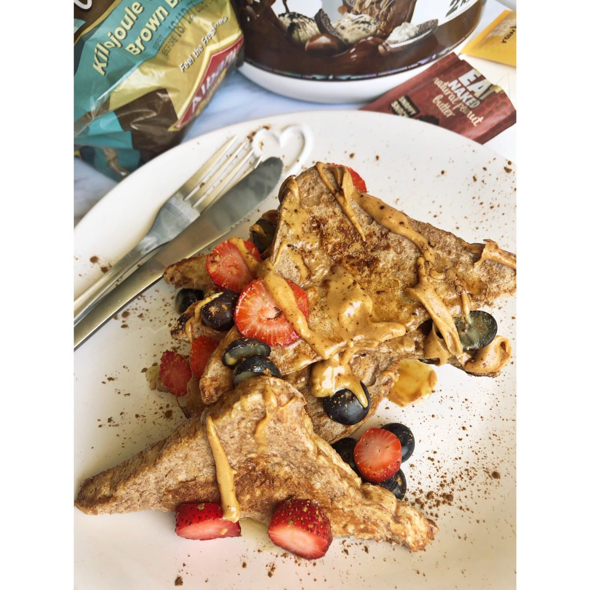 peanut-butter-and-berries-protein-french-toast