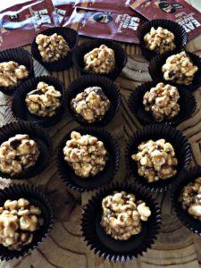peanut butter healthy popcorn balls 1 225x300 - peanut-butter-healthy-popcorn-balls_Eat Naked